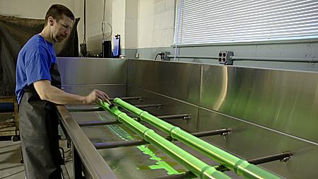Fluorescent dye liquid penetrant testing